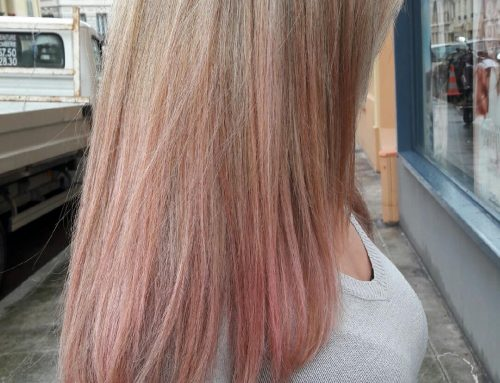 Tie and dye pastel rose sur cheveux blond
