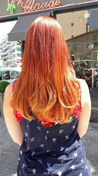 Tie and dye roux cheveux long